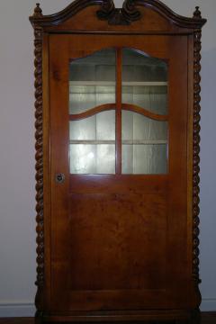 knizhnyj-shkaf-19-vek-1
