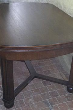 stol-obedennyj-massiv-duba-1